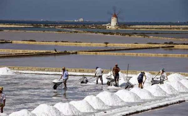 Salina Calcara di Trapani e Paceco - Addetti alla salicoltura